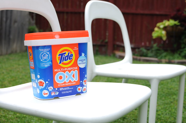 Cleaning Plastic with Tide Oxi