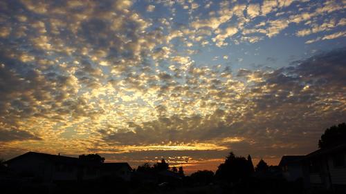oregon sunrise portland cloudy pdx