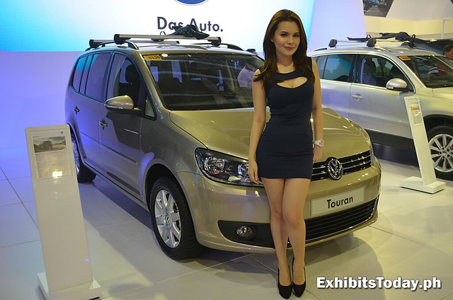 Volkswagen Touran with model