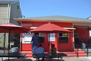 620 Red Rooster Snowball Stand