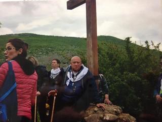 il sig. Angelo sotto la Croce Blu (Medjugirie)