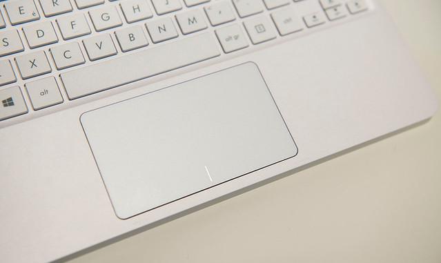 EeeBook X205: sự quay lại của dòng laptop thời trang nhỏ gọn - 33914