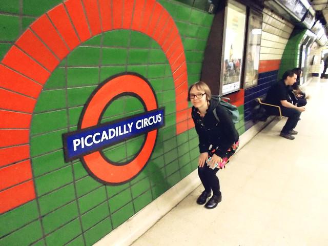LONDON 0869