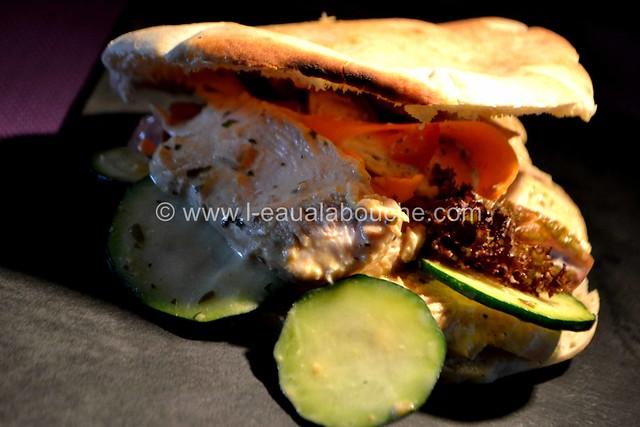 Pita au Poulet en Salade © Ana Luthi Tous droits réservés 026_GF