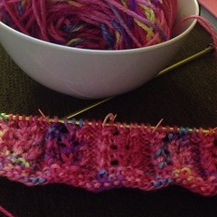 Third (fourth? Fifth?) time's the charm. Adapting a round pattern to flat. #knit #scarf #gumdrop