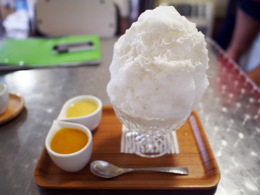 Japanese Shaved Ice Dessert | Coconut Condensed Milk & Mango Pineapple