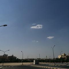 حاليا ظهور بعض السحب فوق اجواء منطقة مبارك الكبير ، بعد شتبون اكثر من جذي اليوم يوم الخميس و باجر اجازه و الجو مغيم و الجو زين حق نزول البحر و ماغير بتسافرون