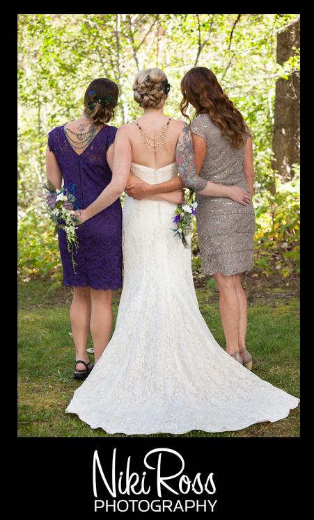 BrideMomMohArmsAroundBack