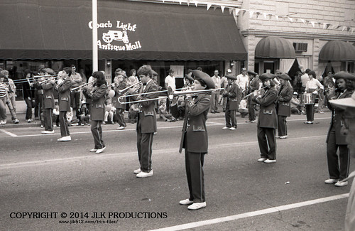Tri-X Files 84_25.13a: Downtown Nicholasville Performance