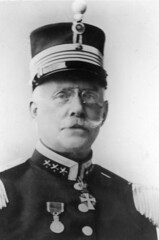 military officer(0.0), monochrome photography(1.0), military person(1.0), black-and-white(1.0), person(1.0),