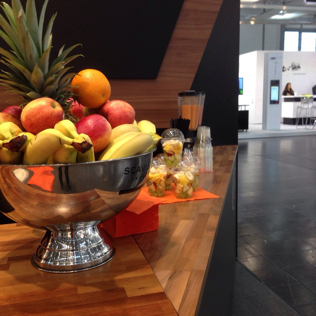 """#HummerCatering #Eventcatering #Messe #Düsseldorf #Composite2014 @ceshow #Smoothiebar #Fruchtdrink #Obstbecher #Früchte #fingerfood http://hummer-catering.com • <a style=""""font-size:0.8em;"""" href=""""http://www.flickr.com/photos/69233503@N08/15281761277/"""" target=""""_blank"""">View on Flickr</a>"""
