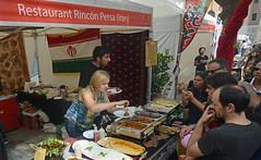 Rincón gastronómico con comida japonesa, iraní, tailandesa y de Pakistán