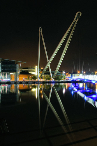 reflection night reflections river lights mirror glow footbridge tide bestviewedlarge fluorescent newport usk shimmer casnewydd