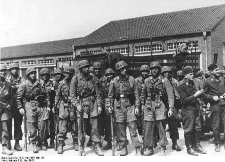 Paracaidistas participantes en Operación Granito