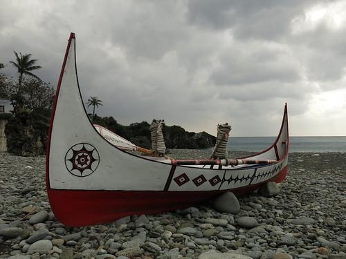 木製的拼板舟是達悟族人重要的資產,除了能到海上捕魚,也象徵著當地技藝的傳承,並在祭典中,能彰顯社會地位。攝影/何怡君