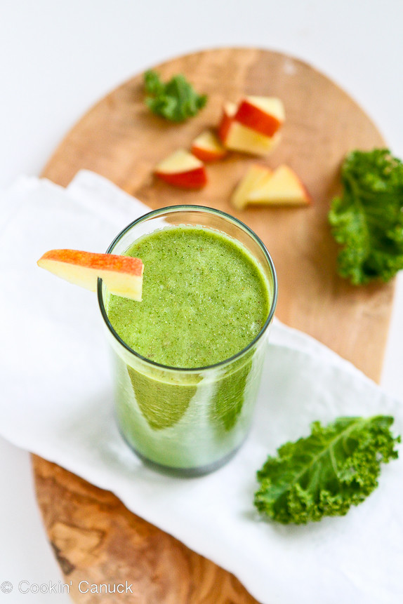 Kale and Apple Green Smoothie Recipe...Packed full of goodness and so tasty!  125 calories and 3 Weight Watcher PP | cookincanuck.com #vegan #glutenfree #vegetarian