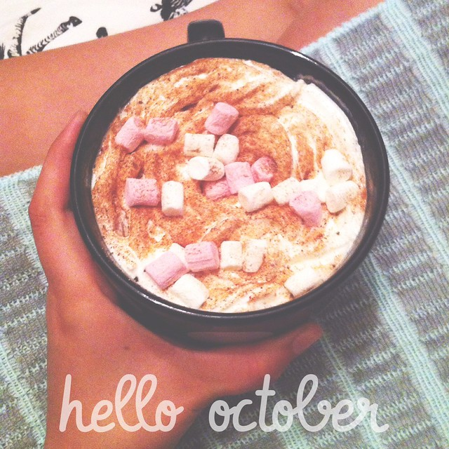 Hello October Autumn Lifestyle Relax Hot Chocolate