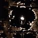 Reflejo sobre el agua de farol de la calle/Reflection on water of streetlight