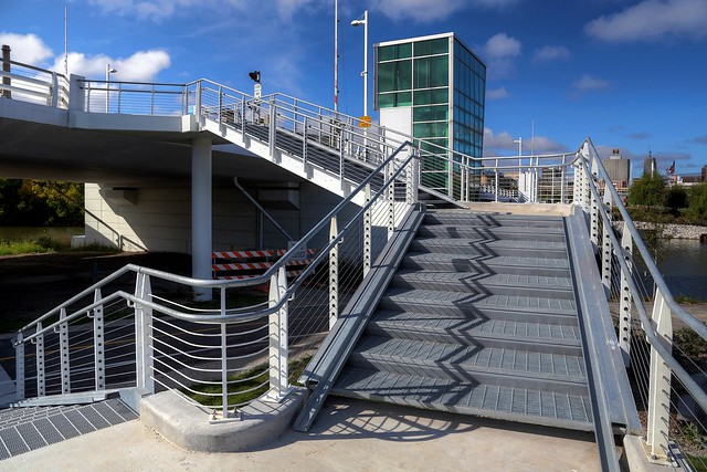 Stairs to Sixth Street Viaduct