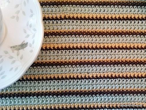 Stripy-Single-Crochet-Placemat-Close-Up