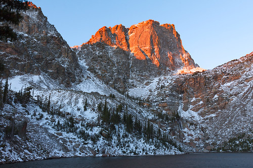 mountain lake snow water nationalpark colorado rockymountainnationalpark emeraldlake halletpeak