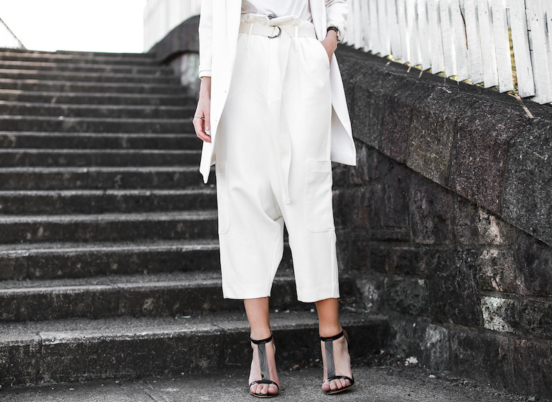 modern legacy fashion blog street style all white suit Bassike slouch pants T Bar Mode Collective heels muscle tank work office wear (4 of 11)