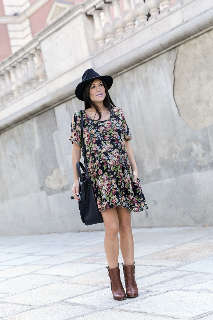 street style barbara crespo hakei the corner shop bag boots autumn dress fashion blogger outfit blog de moda