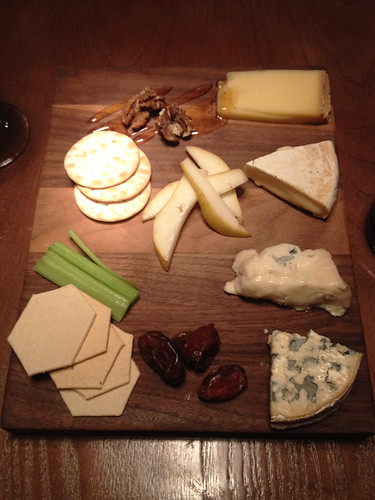 IMG_0731b_Vivat Bacchus cheese board