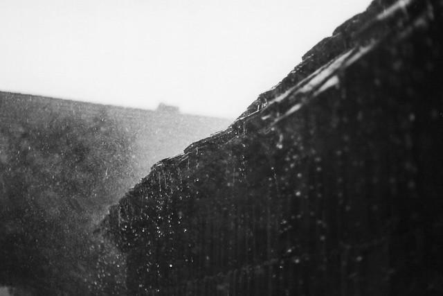 worteinbildern - The storm comes to wake us