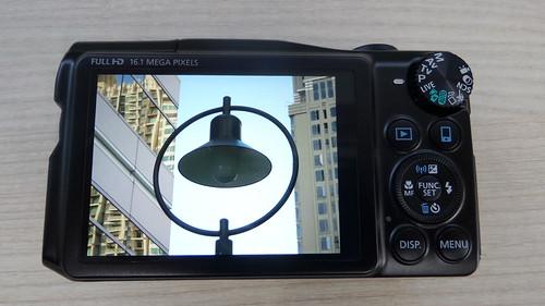 Canon PowerShow SX700HS ด้านหลัง