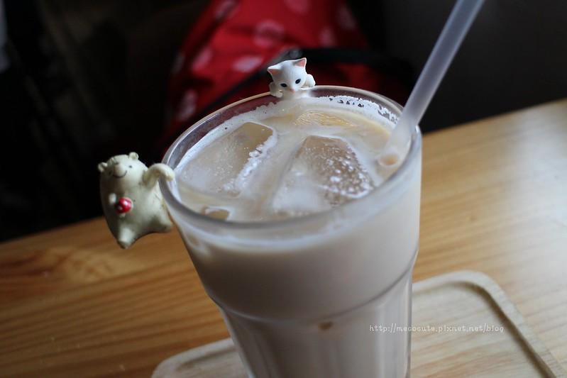 咖啡館︱喝咖啡,木童繪本咖啡 @陳小可的吃喝玩樂