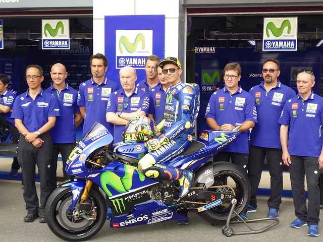 Rossi & team
