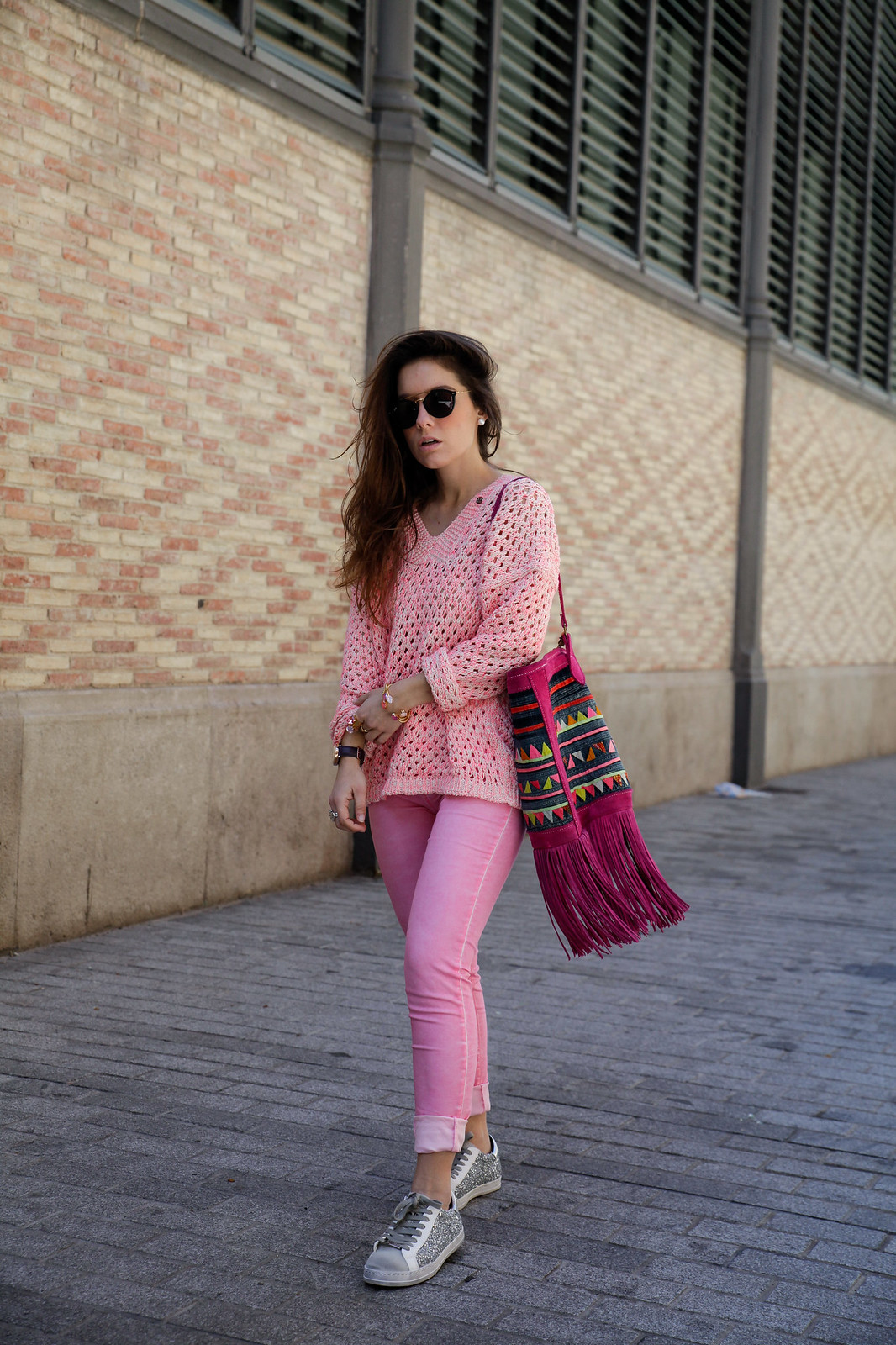 014_pink_look_with_rüga_streetsyle_barcelona_influencer_theguestgirl_spain