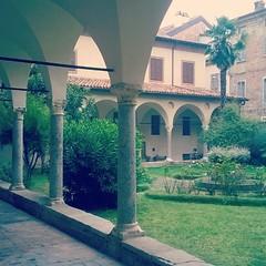 11 myturismoer @robertabbatangelo Chiostro della Basilica di Sant'Antonino