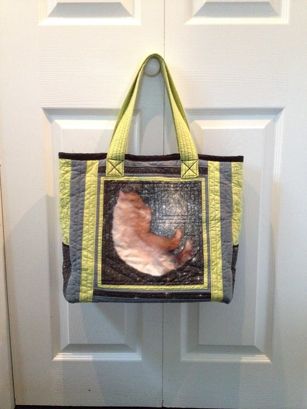 Linus quilted tote bag, side two