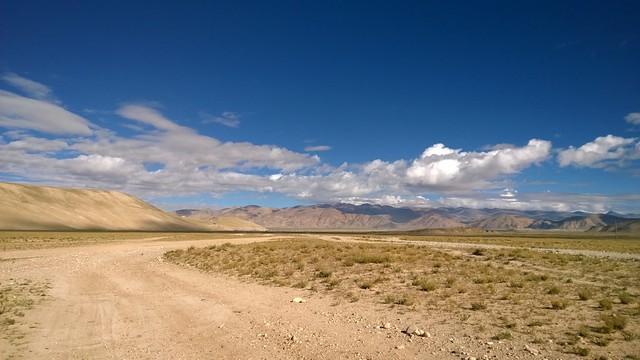 The road to Tingri