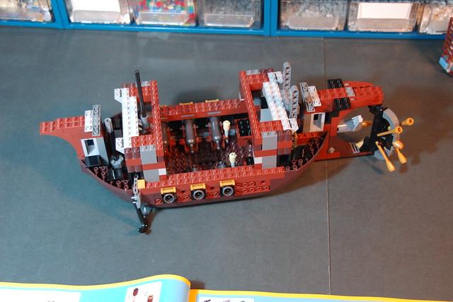 70810 MetalBeard's Sea Cow (13)