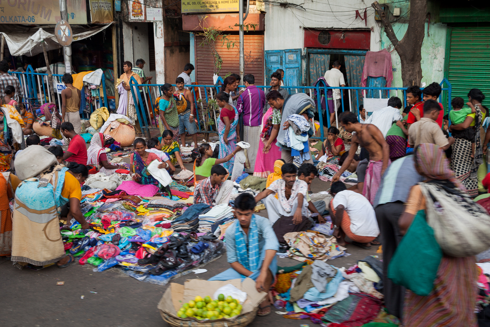 The haat (bazaar) on Chittaranjan Avenue
