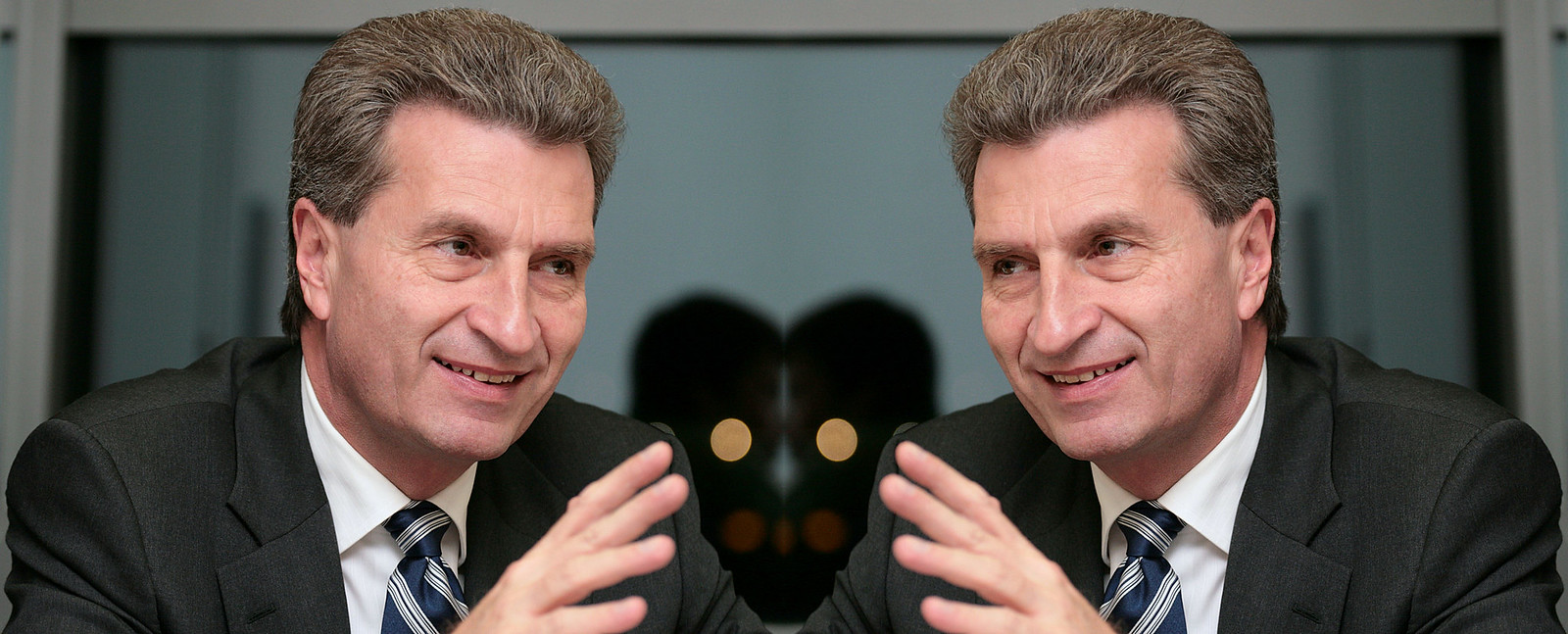 Half serious Günther Oettinger.