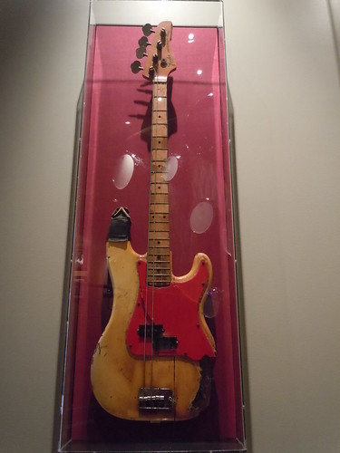 10/03/14 Hard Rock Cafe @ Mall of America, Bloomington, MN (Ramones Autographed Bass Guitar)