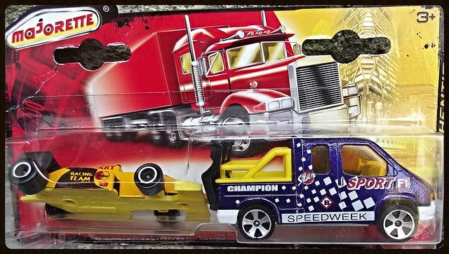 N°375 Ford Transit Dépanneuse + F1 15270181169_979b9b8350_z