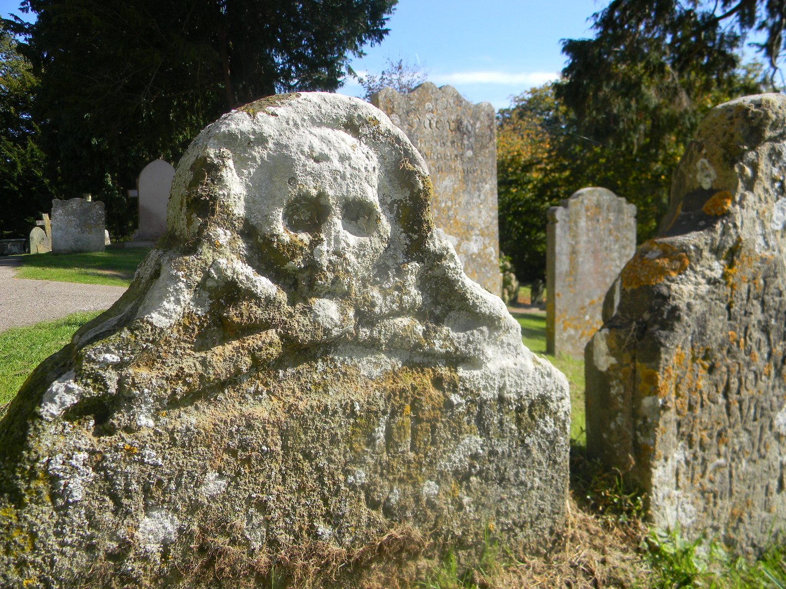 Smugglers grave, Burwash Stonegate Circular