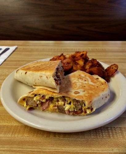 J&E's Yankee Diner Charlton MA Breakfast Burrito