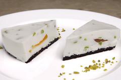 Squacquerone,albicocche candite, pistacchi frolla al cacao