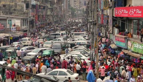 印度街頭人車鼎沸。圖片來源:joiseyshowaa
