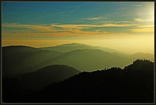 germany deutschland herbst mountainbike berge ausflug aussicht schwarzwald wandern alpin badenwürttemberg gipfel kleines münstertal wiesental belchen fernsicht ausflugsziel belchendreieck 1414m
