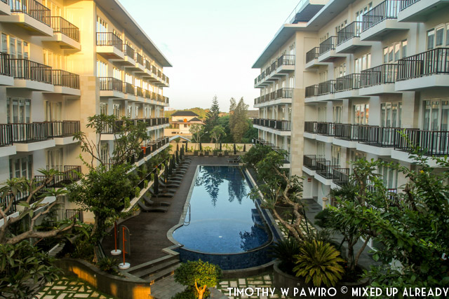 Indonesia - Bali - Harris Hotel Bukit Jimbaran - The swimming pool