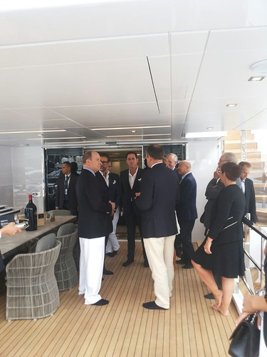 a sx il principe Alberto di Monaco  - al centro Giuseppe Taranto