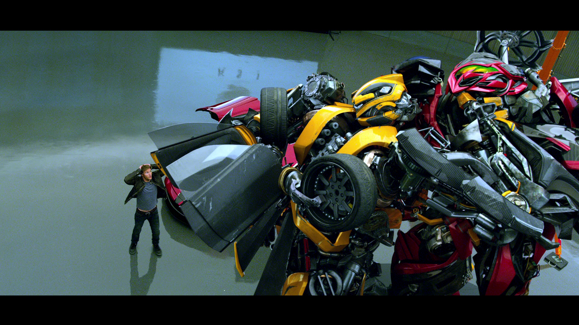 Age of Extinction Screencap Thread - Page 85 - TFW2005.com Transformers 4 Bumblebee Vs Stinger