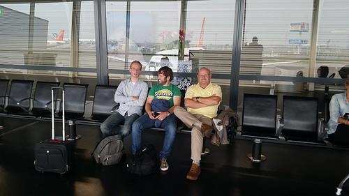 wachten op vliegveld